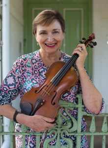 <strong>Maryke Lintvelt</strong></br>VIOLIN & VIOLA